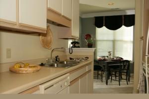 N---BRK-1BR-kitchen2